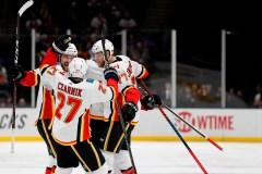 Un sixième gain de suite pour les Flames, 3-1 aux dépens des Islanders