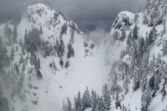 Un raquetteur retrouvé mort après une avalanche en Colombie-Britannique