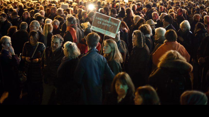 France: des milliers de personnes se mobilisent contre l'antisémitisme