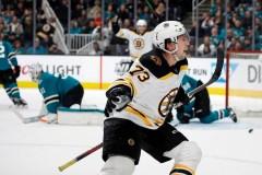 McAvoy permet aux Bruins de savourer un sixième gain d'affilée, 6-5
