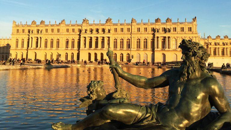 Un bloc de marbre livré au Château de Versailles avec 350 ans de retard