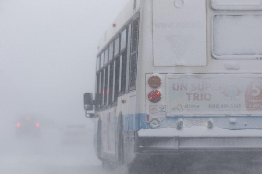 Deux organismes réclament le rétablissement de la voie réservée aux bus sur Maurice-Duplessis