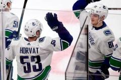 Le 25e but de Horvat fait pencher la balance en faveur des Canucks