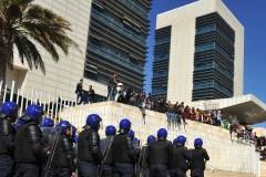 Algérie: Bouteflika promet, s'il est réélu, de ne pas terminer son mandat