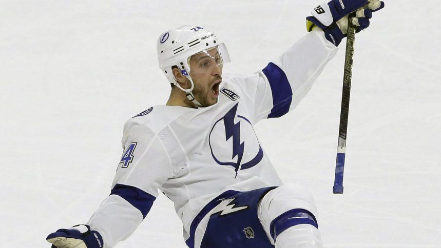 Ryan Callahan se fait plaisir contre les Hurricanes et le Lightning gagne 6-3