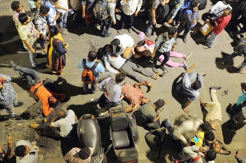 Inde: effondrement d'une passerelle à la gare, 4 morts, des dizaines de blessés
