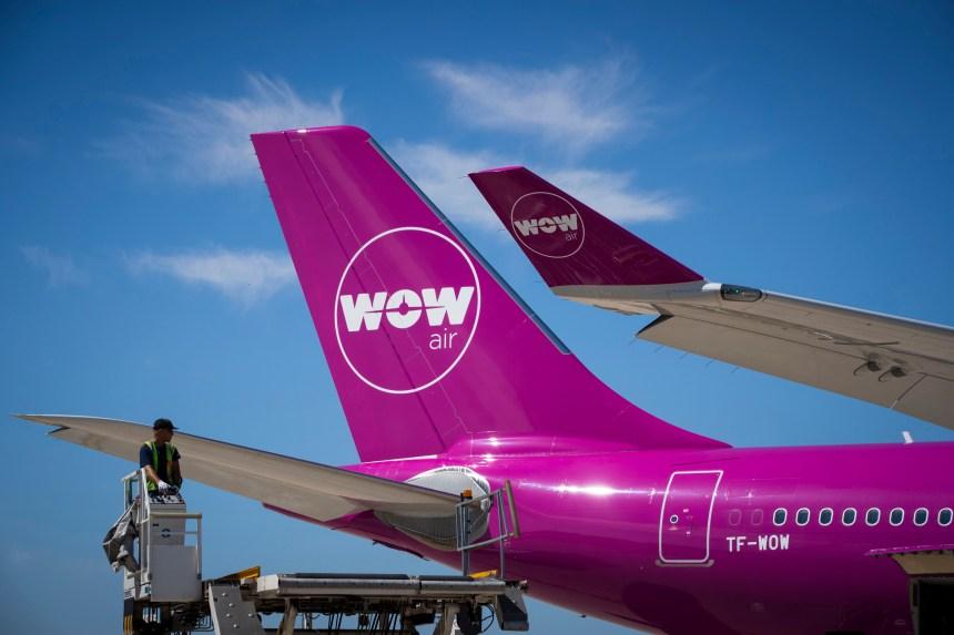 WOW Air jette l'éponge, des milliers de passagers bloqués