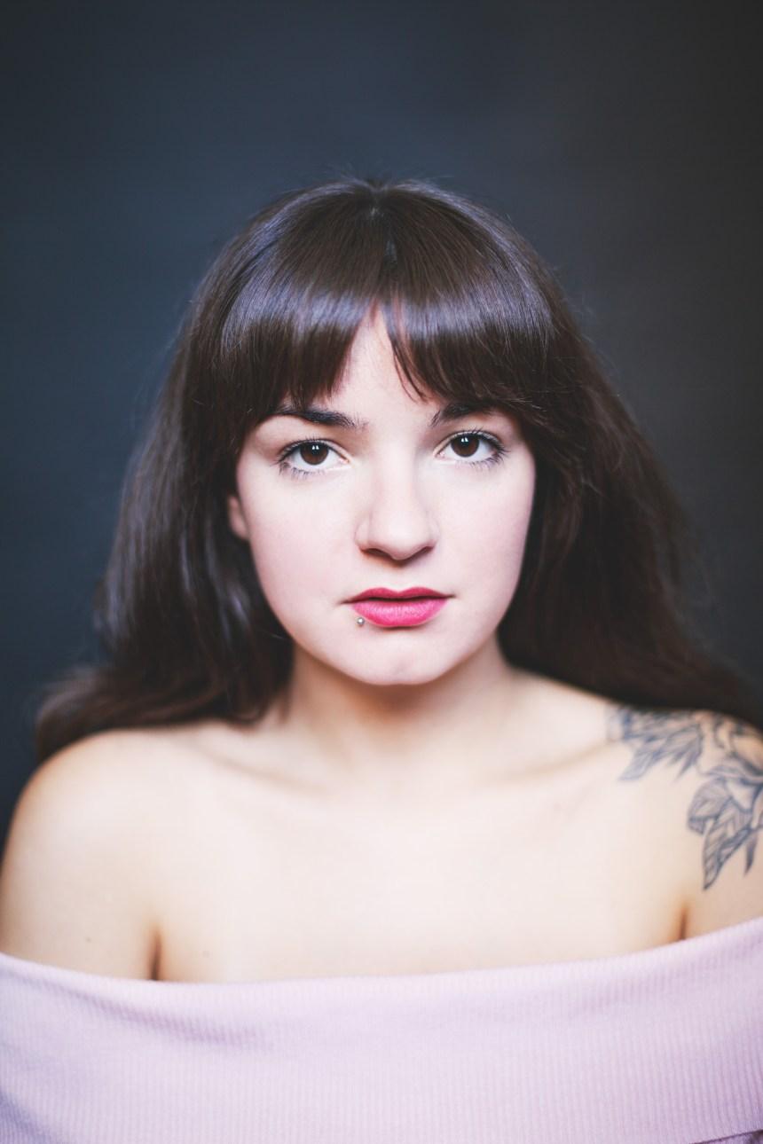 Sortie d'un album en trois parties pour la chanteuse Geneviève Racette
