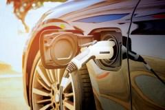 Les voitures électriques sont plus populaires. Mais c'est insuffisant, disent des experts