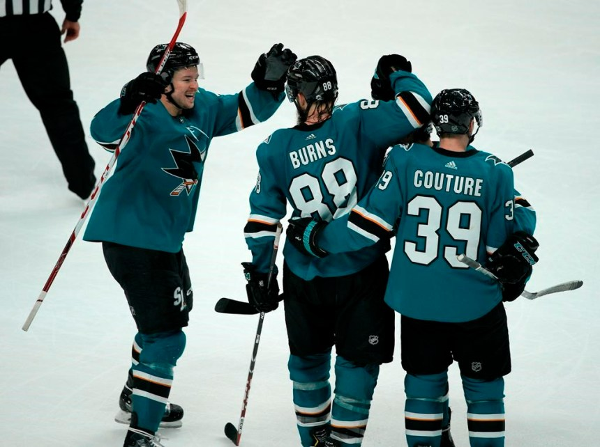 Burns marque en prolongation et conduit les Sharks vers un gain de 4-3