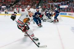 Colin Wilson sort de sa torpeur et l'Avalanche bat les Blackhawks 4-2