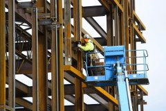 Février: le taux de chômage au Canada demeure à 5,8 % et est de 5,3 % au Québec