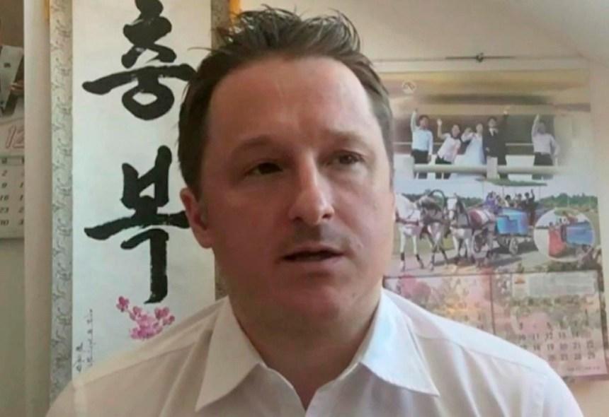 Chine: les Canadiens Kovrig et Spavor, déjà détenus, sont formellement arrêtés