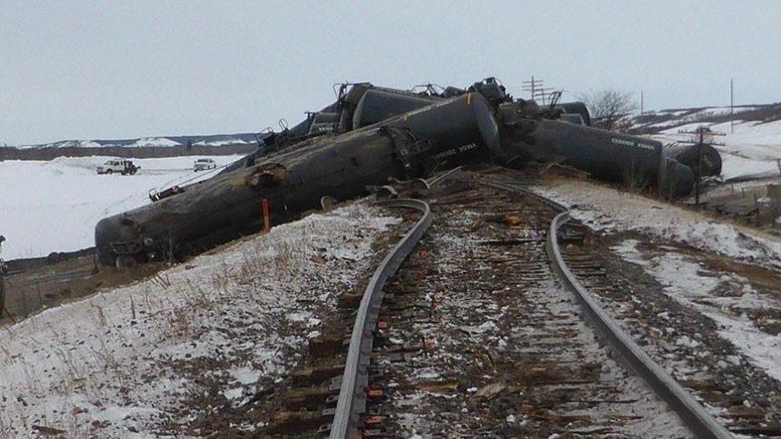 Des millions de litres de pétrole déversés après un déraillement, selon le BST