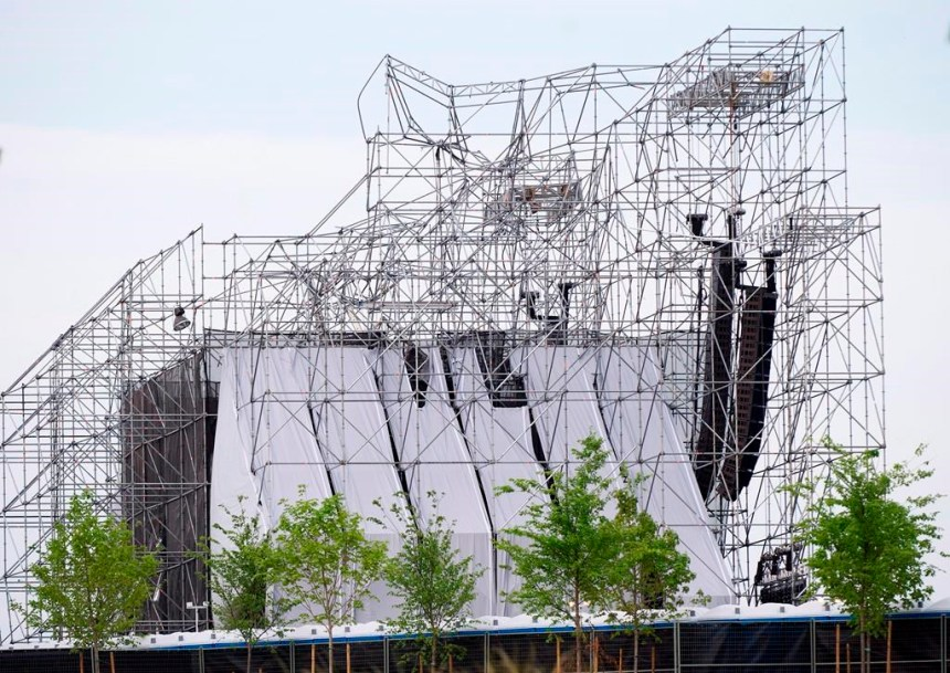 Début d'enquête sur l'effondrement d'une scène avant un spectacle de Radiohead