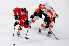 Carter Hart se dresse devant les Blackhawks et les Flyers triomphent 3-1