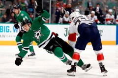 Radulov marque deux buts en troisième et les Stars étourdissent les Panthers