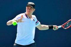 Le Canadien Denis Shapovalov poursuit sa route en double au Masters de Miami
