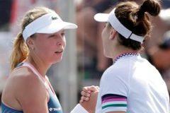 Bianca Andreescu se retire au 2e set de son match contre Anett Kontaveit