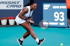 Naomi Osaka s'incline à l'Omnium de Miami; Serena Williams se retire