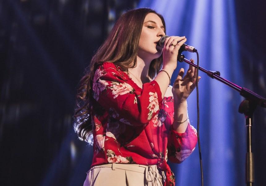Trouver sa voix : premier concert pour une jeune artiste