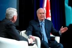 Le stratège républicain Karl Rove lance un message aux conservateur canadiens