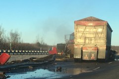 Une collision et une fuite de pétrole perturbent la circulation sur l'autoroute 10