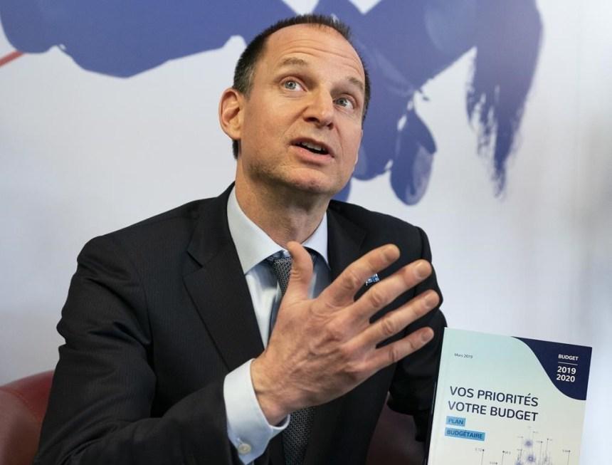 Baisse d'impôt: la CAQ, «prestidigitateur politique», dit Barrette