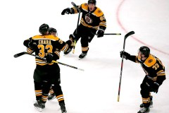 Les Bruins marquent deux fois en fin de 3e période et battent les Panthers 4-3