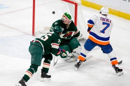 Nelson marque en prolongation et les Islanders battent le Wild 3-2