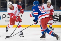 Athanasiou marque deux buts et permet les Red Wings de battre les Rangers 3-2