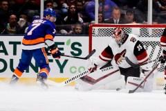 Robin Lehner bloque 31 lancers et les Islanders blanchissent les Coyotes 2-0
