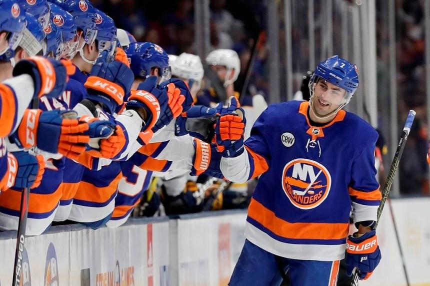 Islanders assurent leur place en séries grâce à un gain de 5-1 devant les Sabres