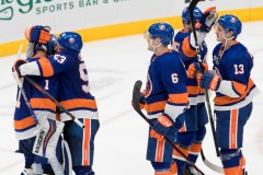 Lee marque tard en troisième et les Islanders renversent le Canadien 2-1