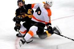 Sean Couturier joue les héros en prolongation et les Flyers battent les Penguins