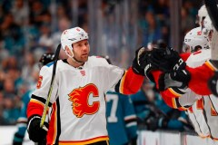 Les Flames s'assurent du titre de l'Association Ouest en battant les Sharks 5-3