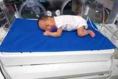 Un matelas d'incubateur pour réduire la douleur chez les prématurés