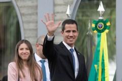 De retour au Venezuela, Guaido appelle à maintenir la pression sur le régime