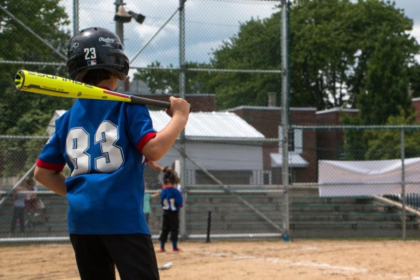 Un terrain de baseball mis à neuf