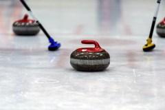 Curling féminin: le Canada en position précaire après une autre défaite