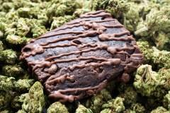 Des brownies au cannabis servis à des aînés dans une résidence en Ontario
