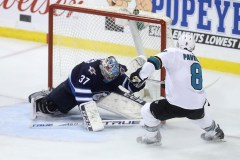 Joe Pavelski marque tard en troisième et permet aux Sharks de vaincre les Jets