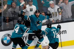 Les Sharks comblent un écart de 3 buts et remportent le match ultime, 5-4
