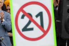 Des groupes religieux qualifient la consultation sur le PL-21 de mascarade
