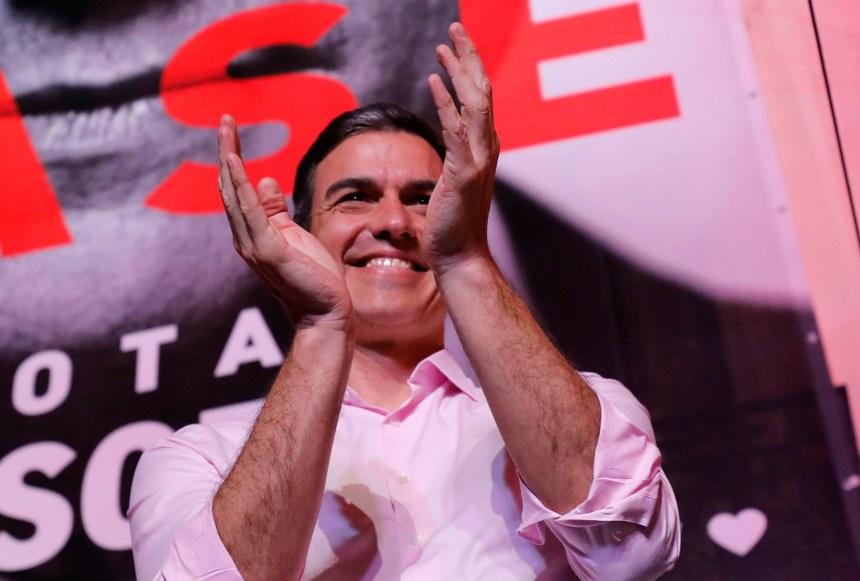 Espagne: les socialistes remportent les législatives, l'extrême droite entre au parlement