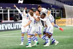 Trois buts tardifs permettent à l'Impact de vaincre le Revolution 3-0