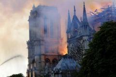 France: Notre-Dame de Paris en flammes