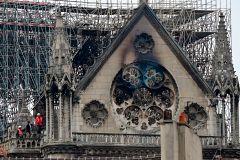 Notre-Dame de Paris tient bon
