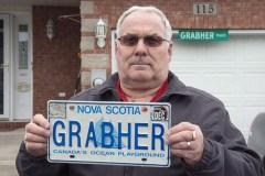 Une plaque personnalisée «Grabher» pousse-t-elle à la violence sexuelle?