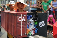 Les déchets canadiens dans un port de Manille seraient ramenés au pays